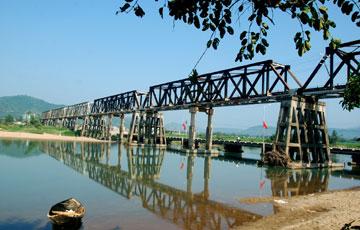Cầu sắt La Hai (Đồng Xuân)