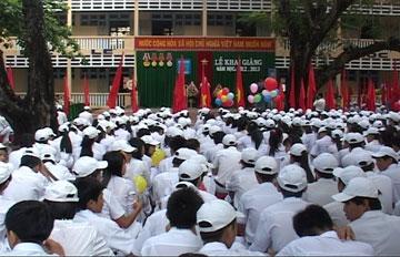 Trường Nguyễn Huệ khai giảng năm học mới