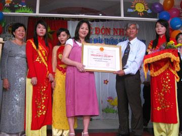 Trường mầm non Ba By (phường 4, TP Tuy Hòa) đón nhận bằng công nhận đạt chuẩn quốc gia