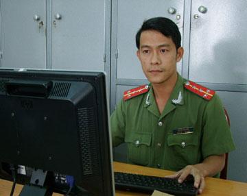 Dai-uy-Phu130227.jpg