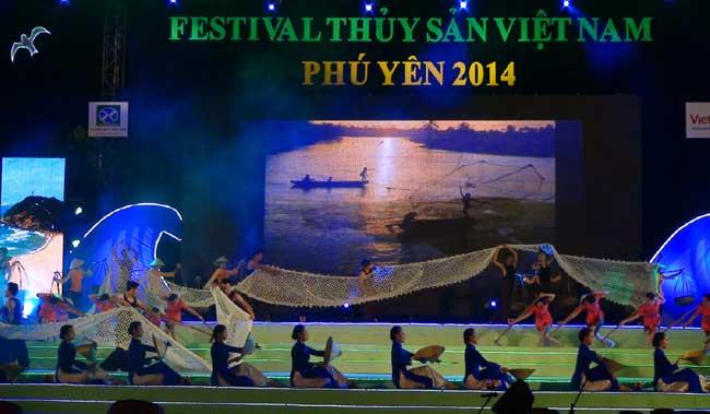 Khai mạc Festival Hải sản Phú Yên 2014