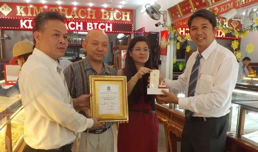 Kim Thanh 9999: SJC Trao Giải Thưởng Cho Doanh Nghiệp