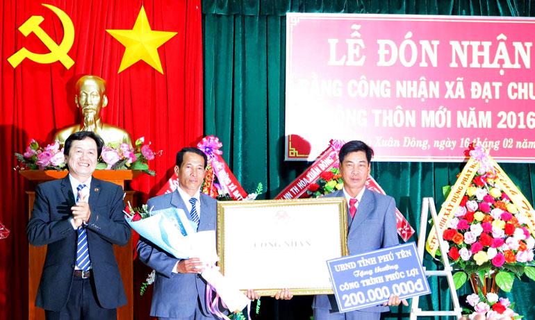 Hòa Xuân Đông (Đông Hòa) và Hòa Đồng (Tây Hòa): Đón nhận bằng công nhận xã đạt chuẩn nông thôn mới