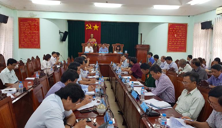 Bí thư Tỉnh ủy Huỳnh Tấn Việt: Sớm trình Chính phủ công nhận Tây Hòa là huyện nông thôn mới ( - 1557299663)