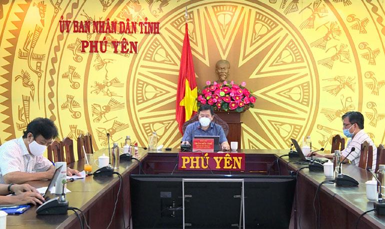 Đồng chí Trần Hữu Thế, Phó Bí thư Tỉnh ủy, Chủ tịch UBND tỉnh, Trưởng BCĐ Phòng, chống dịch COVID-19 tỉnh kết luận hội nghị. Ảnh: TRẦN QUỚI