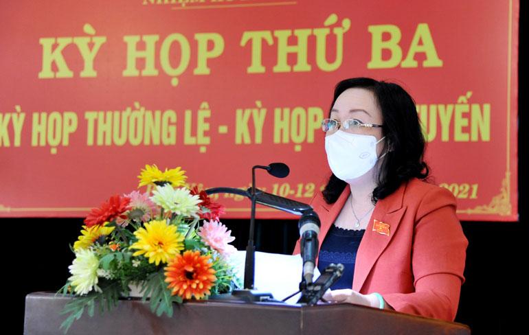Đồng chí Cao Thị Hòa An phát biểu bế mạc Kỳ họp thứ 3, HĐND tỉnh khóa VIII. Ảnh: ANH NGỌC
