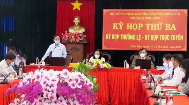 Các đại biểu thảo luận tổ