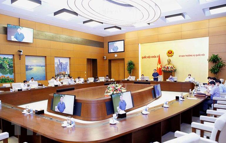 Một cuộc họp của Ủy ban Thường vụ Quốc hội. Nguồn: TTXVN